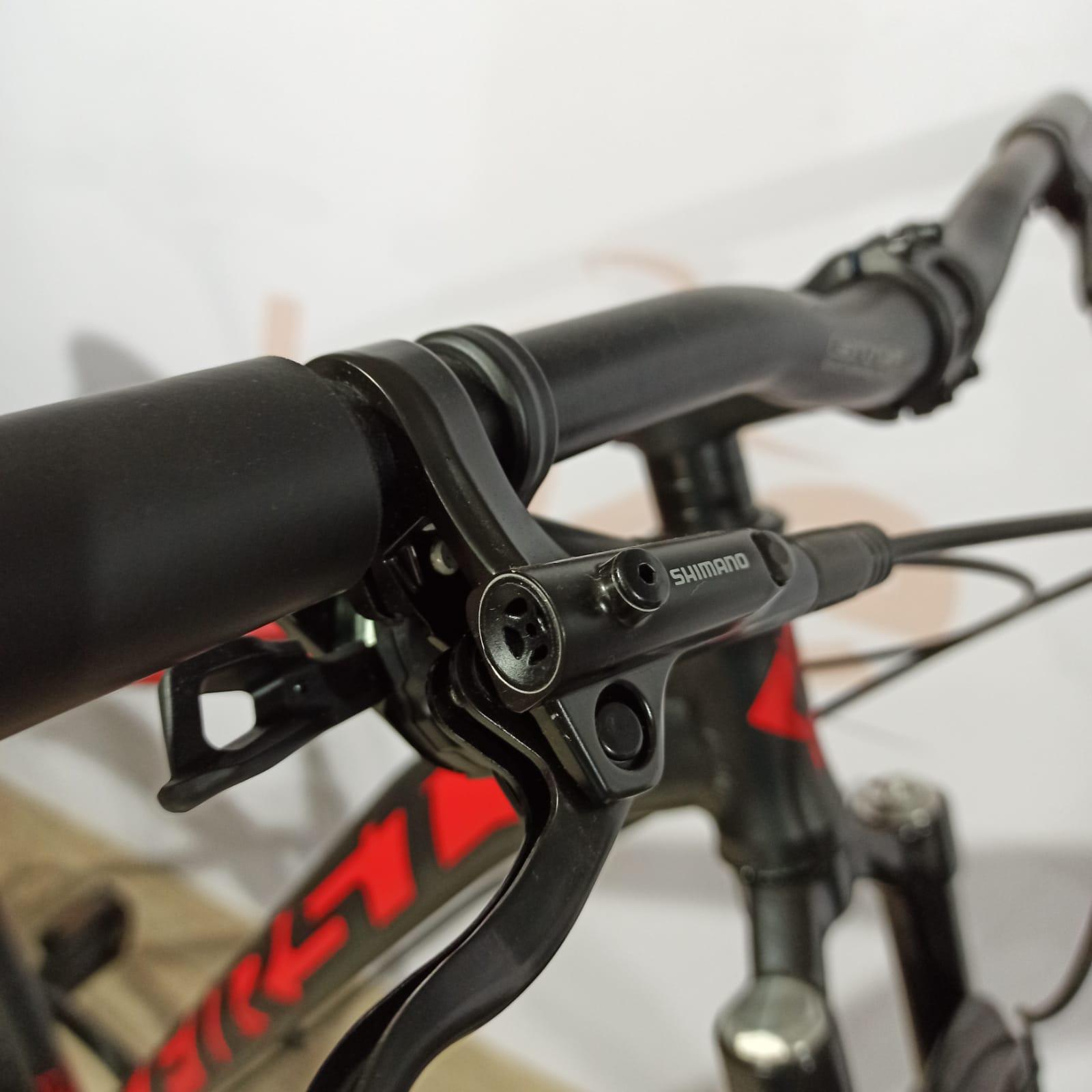 Bicicleta FIRST Lunix aro 29 - 12v Shimano Deore K7 10/51 dentes - Suspensão Pro Shock Ultra a AR