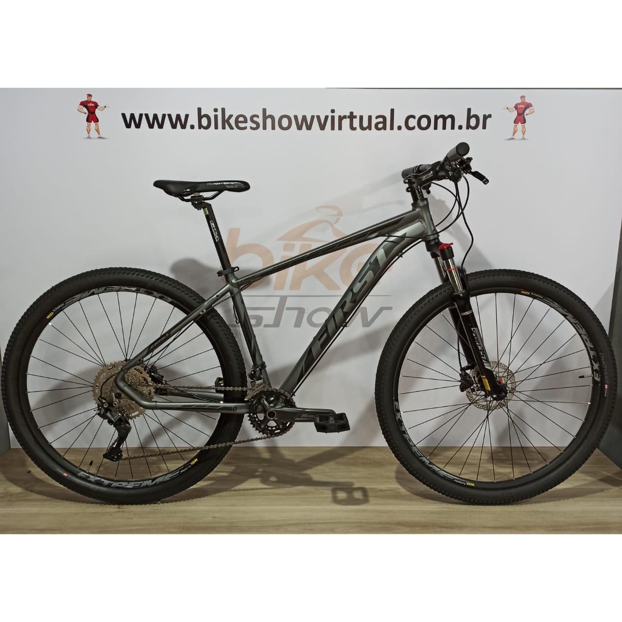 Bicicleta FIRST Lunix aro 29 - 20v Shimano Deore k7 11/46 dentes - Freio Shimano Hidráulico - Suspensão GTA c/ trava no ombro