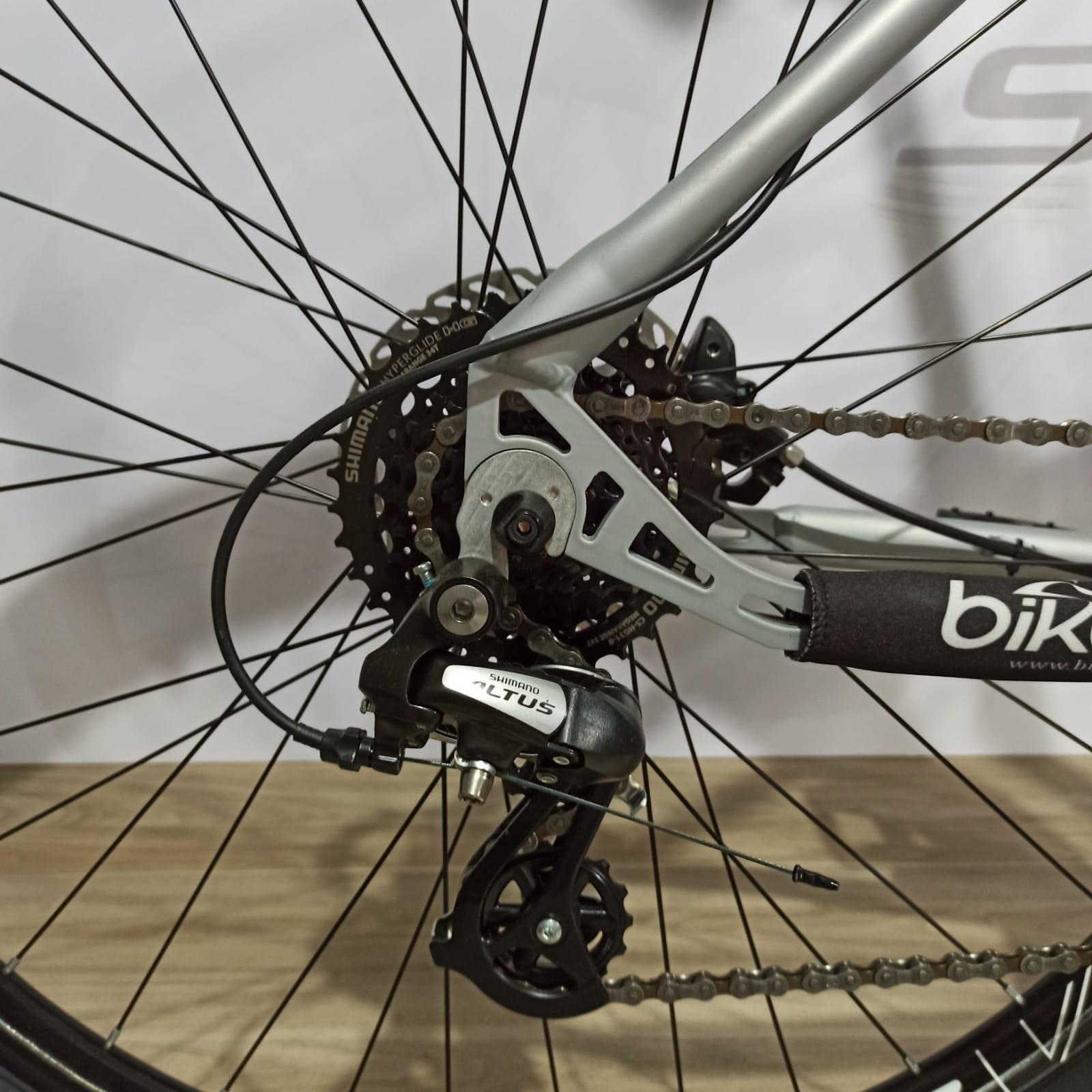 Bicicleta FIRST Smitt aro 29 - 16v Shimano Altus - Freio Shimano Hidráulico - Suspensão GTA com trava no ombro