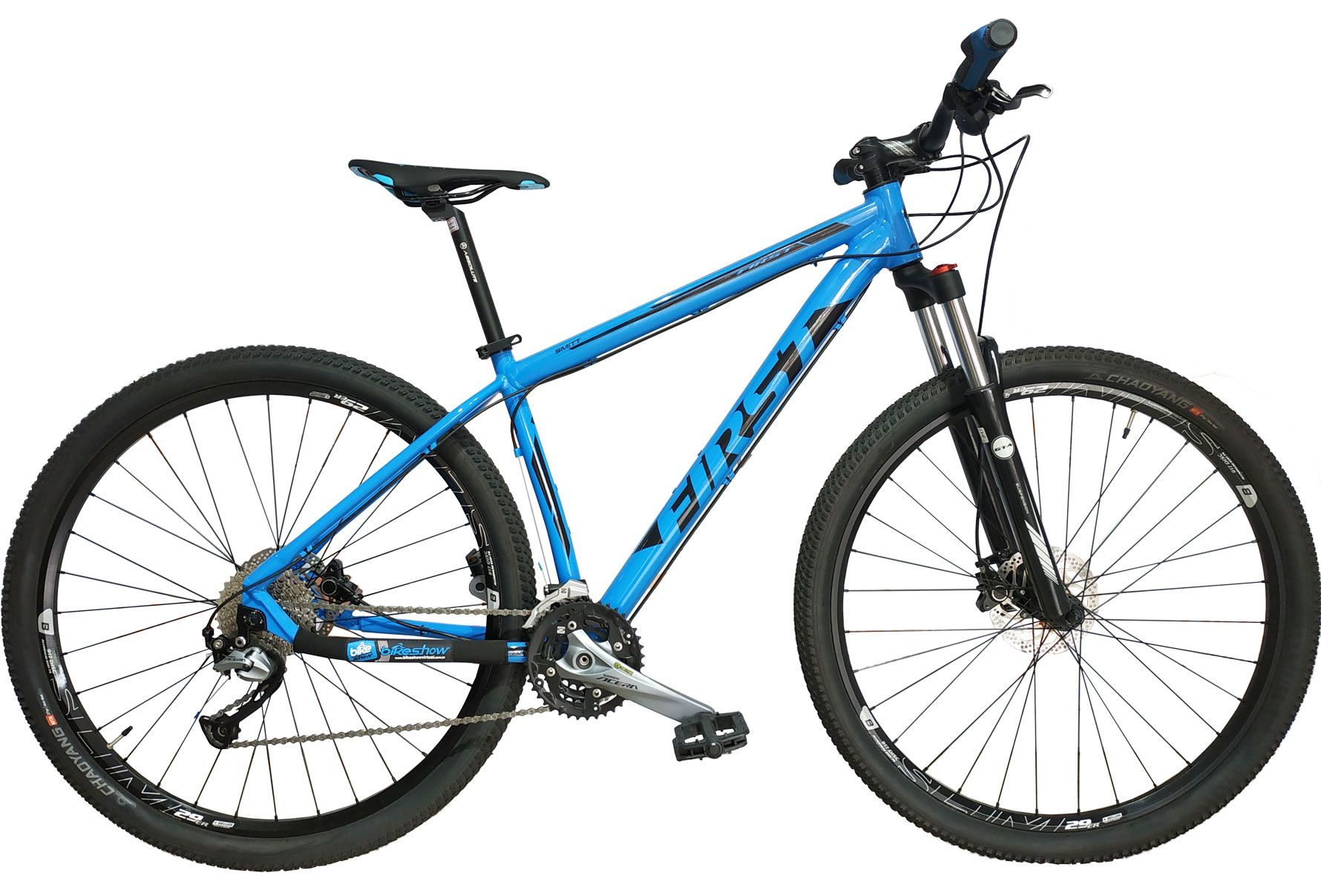 Bicicleta FIRST Smitt aro 29 - 27v Shimano Acera - Freio Hidráulico