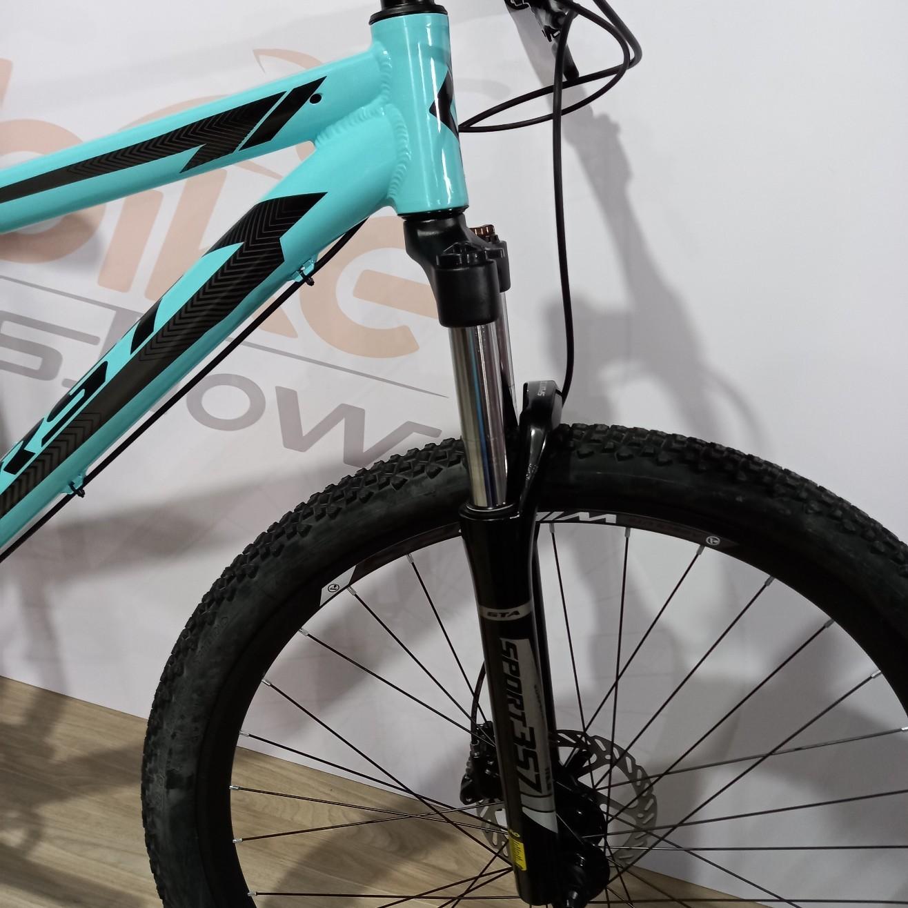 Bicicleta FIRST Smitt aro 29 - 8v MicroShift Acolyte - K7 12/46 dentes - Suspensão GTA toda em alumínio