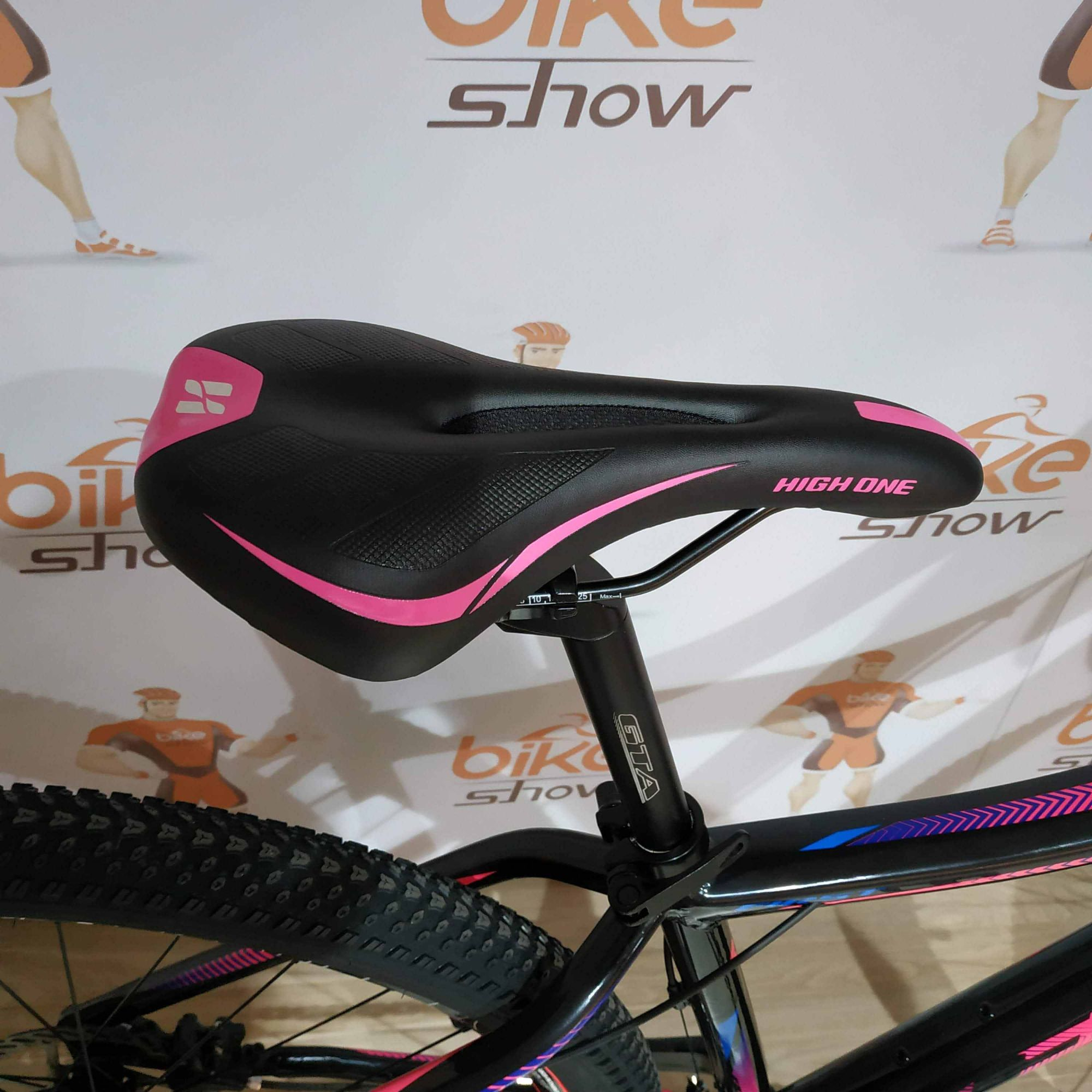 Bicicleta FIRST Smitt aro 29 - 16v Shimano Altus - Suspensão Trust toda em alumínio com trava no ombro