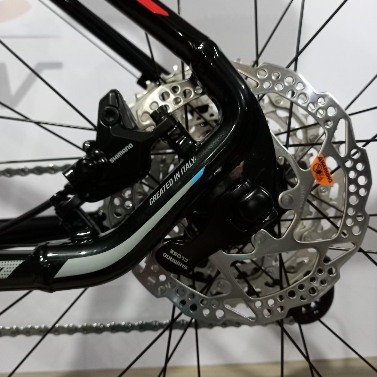 Bicicleta OGGI 7.3 2021 - 12v Shimano Deore - K7 10/51 Dentes - Preto/Azul/Grafite + BRINDES