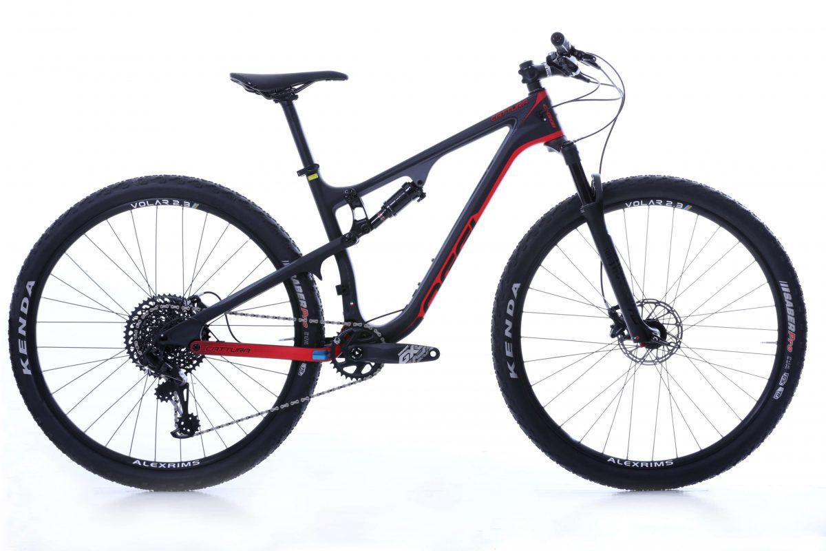 Bicicleta OGGI Cattura Pro GX - Preto/Vermelho