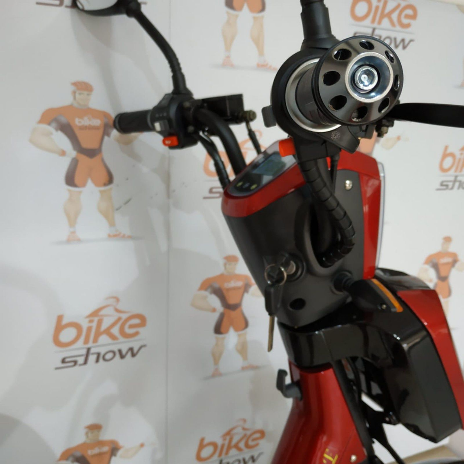 Bicicleta Scooter Elétrica MAGIAS ITALIANE Smarty  Vermelho Cereja 450W