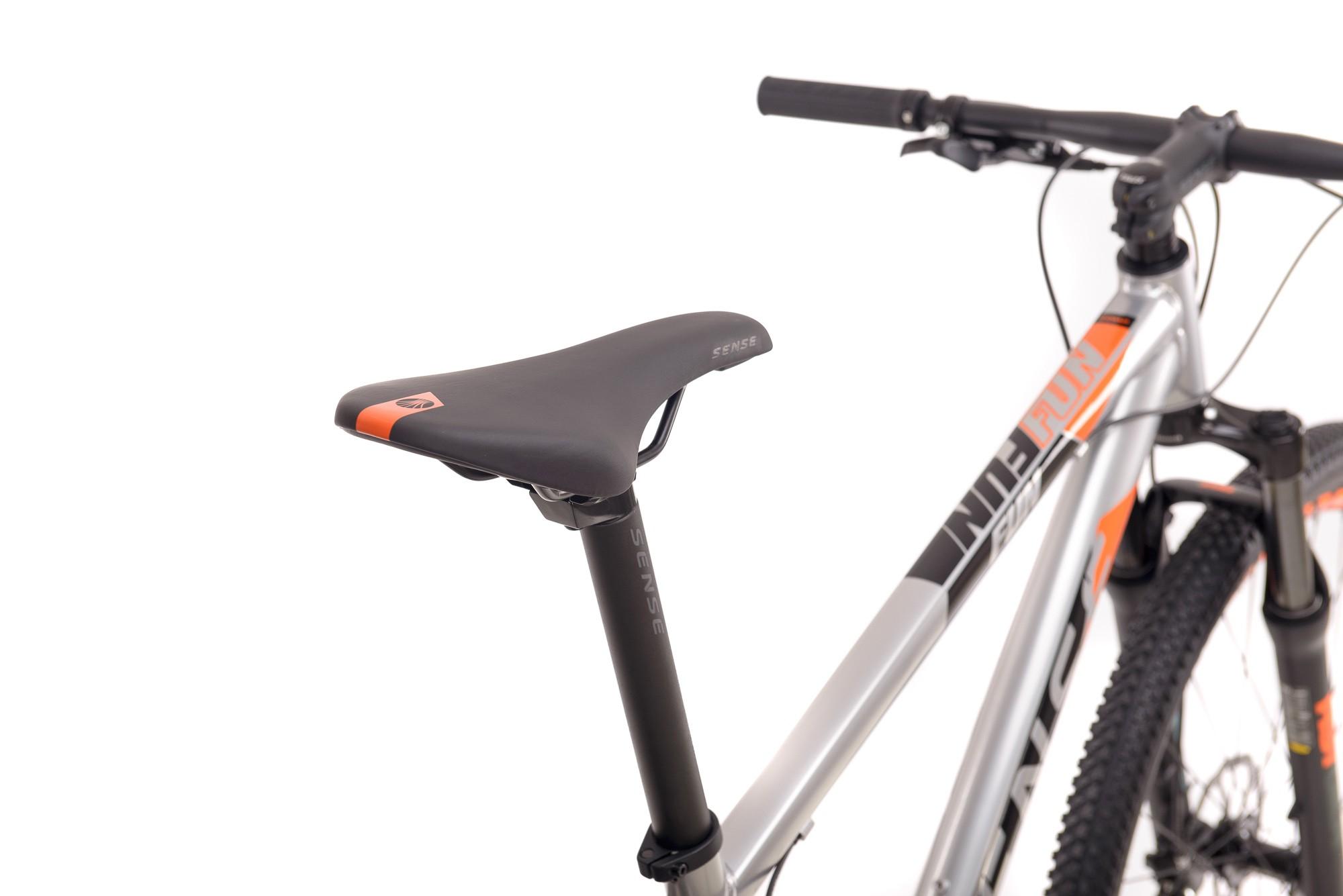 Bicicleta SENSE Fun Comp 2021 - 16v Shimano Altus / Tourney - Freio Shimano Hidráulico - Suspensão RST Gila - Cinza/Laranja