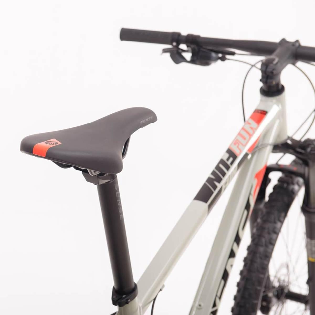Bicicleta SENSE Fun Evo 2021 - 18v Shimano Alivio - Freio Shimano Hidráulico - Cinza/Vermelho