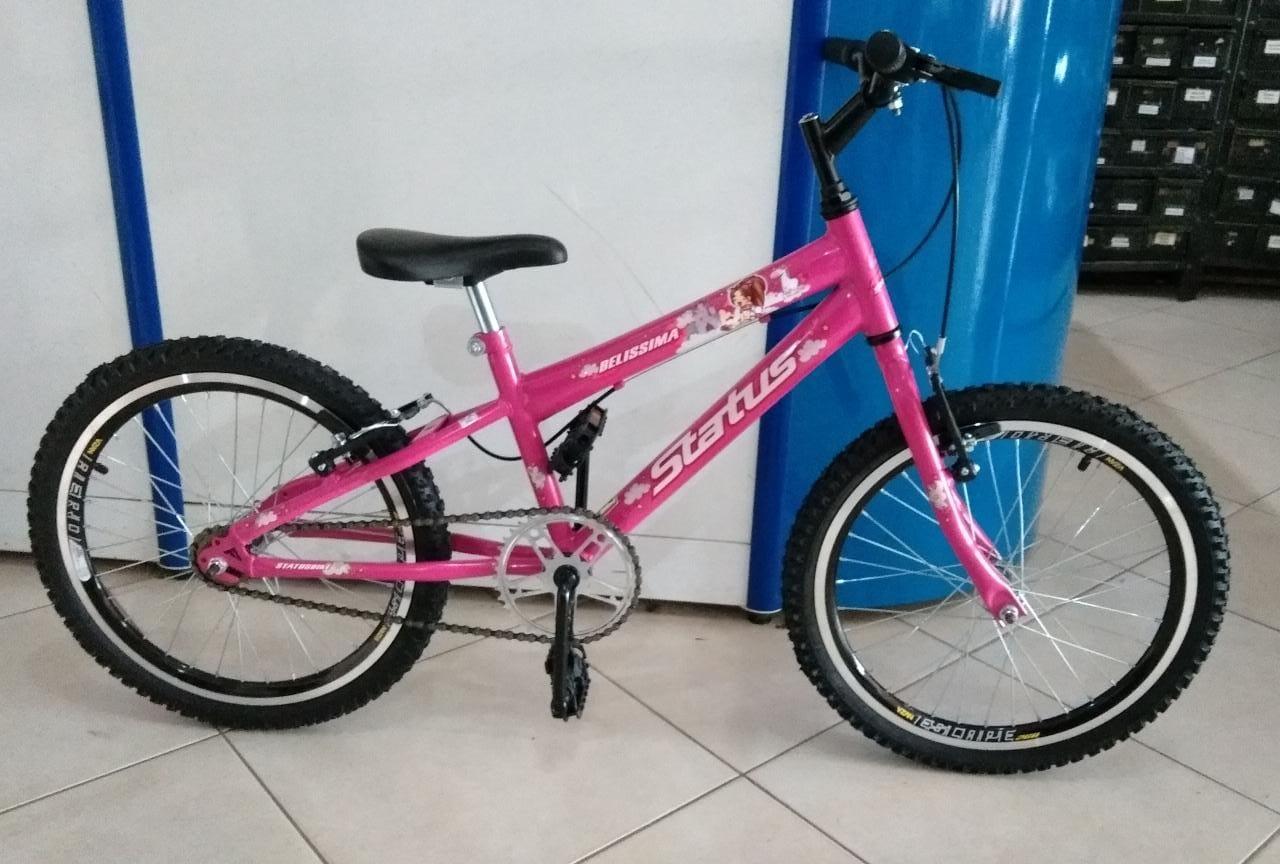 Bicicleta STATUS aro 20 Freio V-Brake Feminina com Cesta
