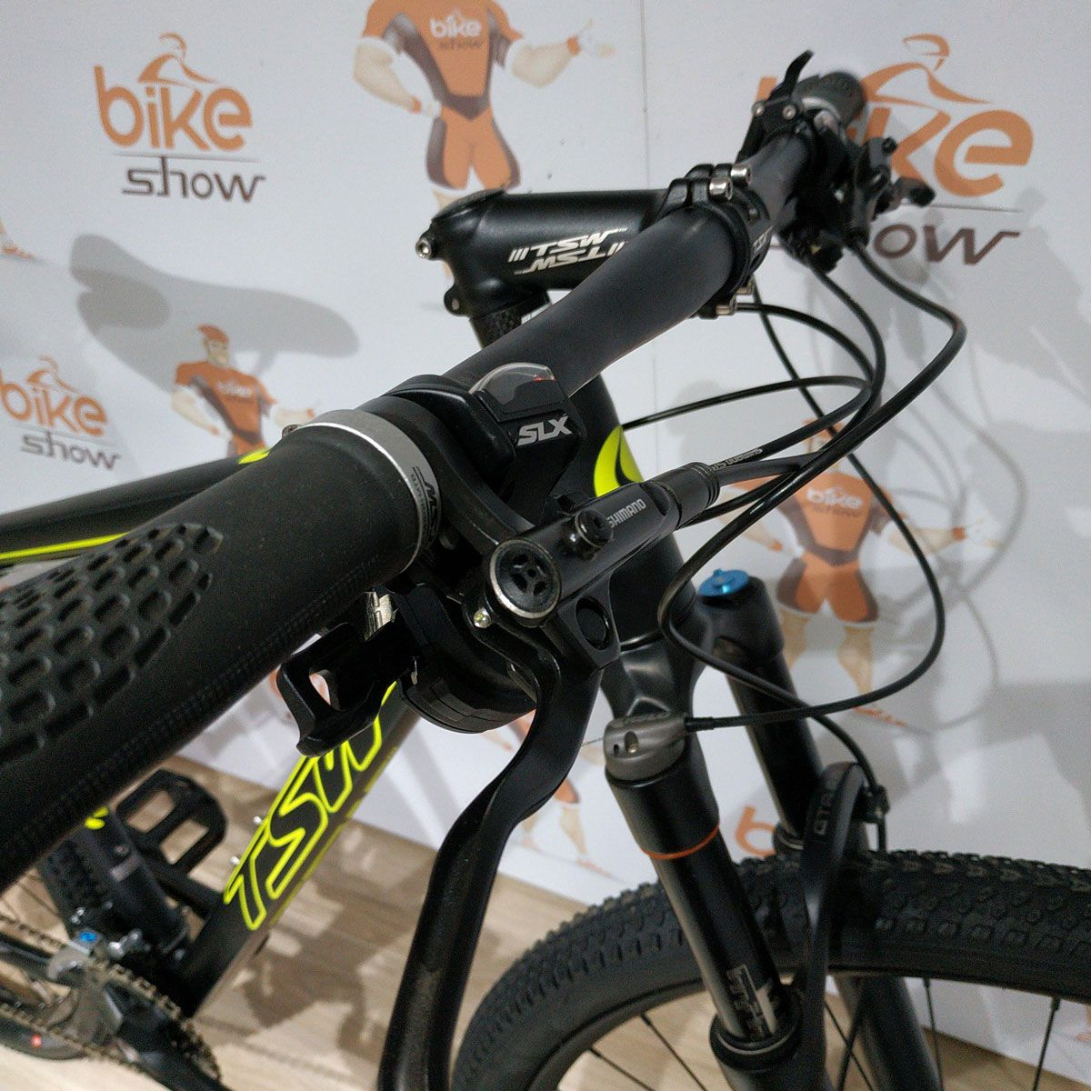 Bicicleta TSW Awe aro 29 - 20v Shimano Deore - Freio Shimano Hidráulico