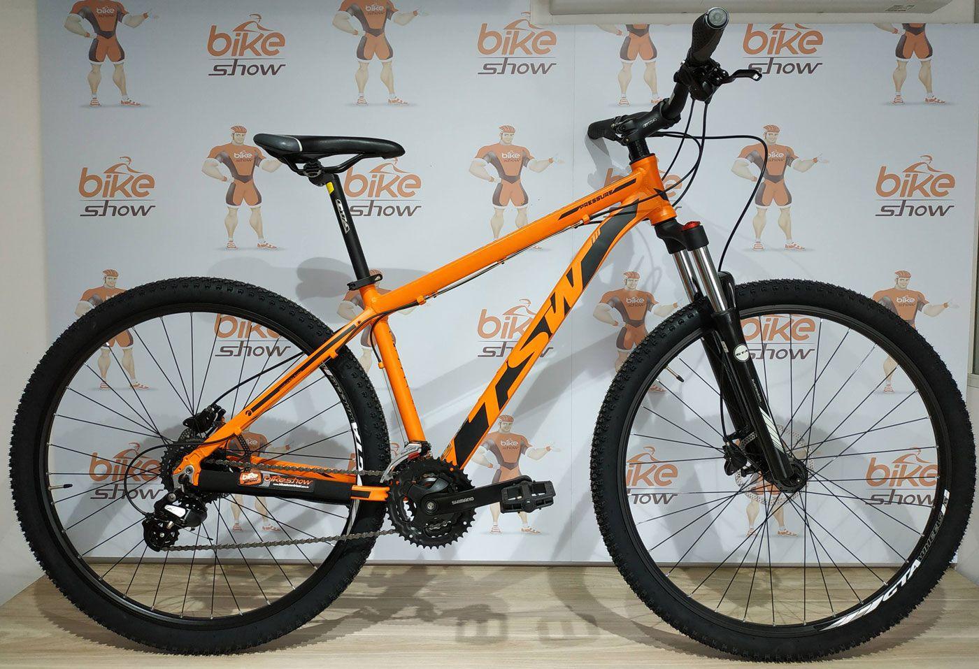 Bicicleta TSW Pressure aro 29 - 24V Shimano Altus - Freio Shimano Hidráulico - Suspensão GTA toda em alumínio 100 mm curso