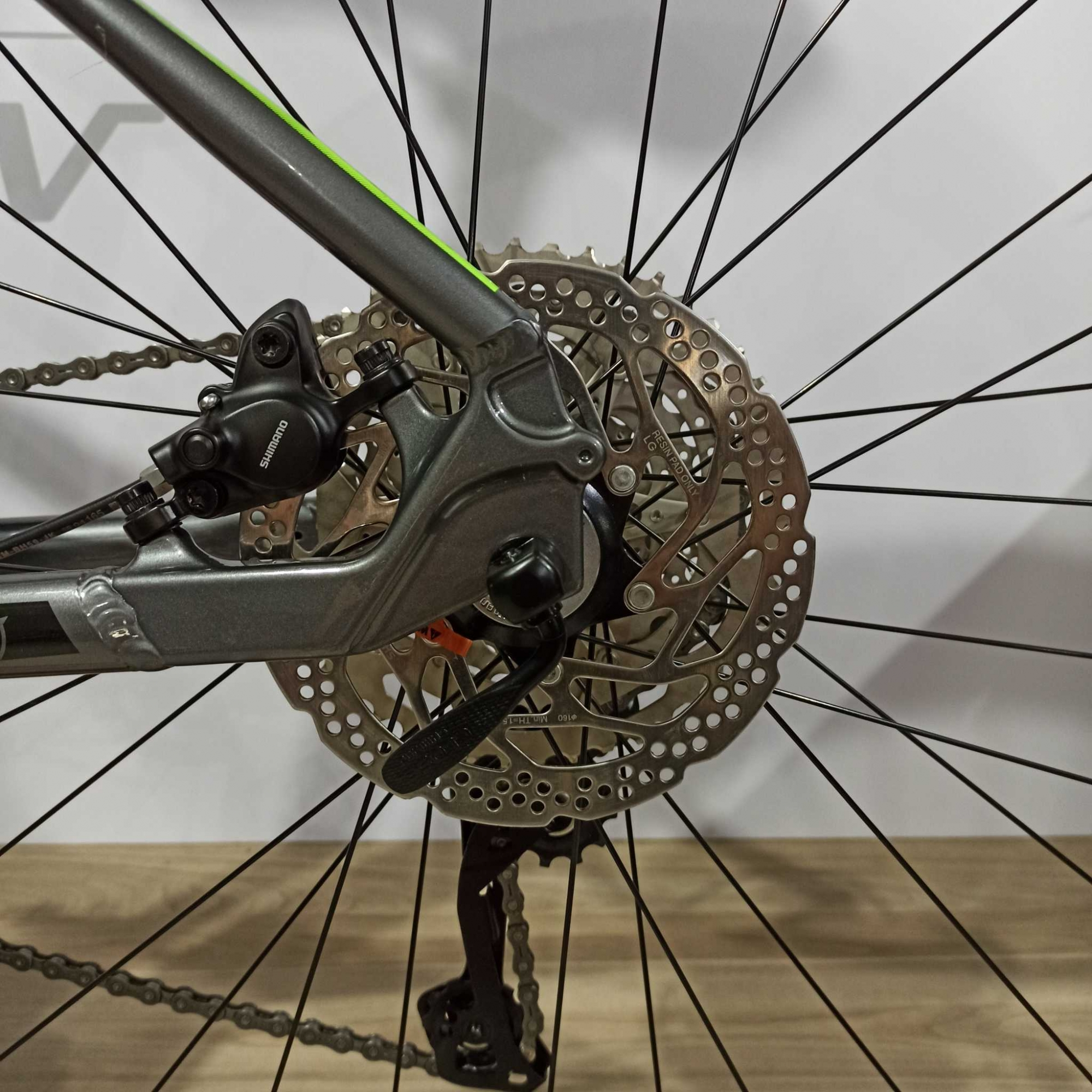 Bicicleta TSW Stamina aro 29 - 20v Shimano Deore UPGRADE - Preto/Cinza/Verde