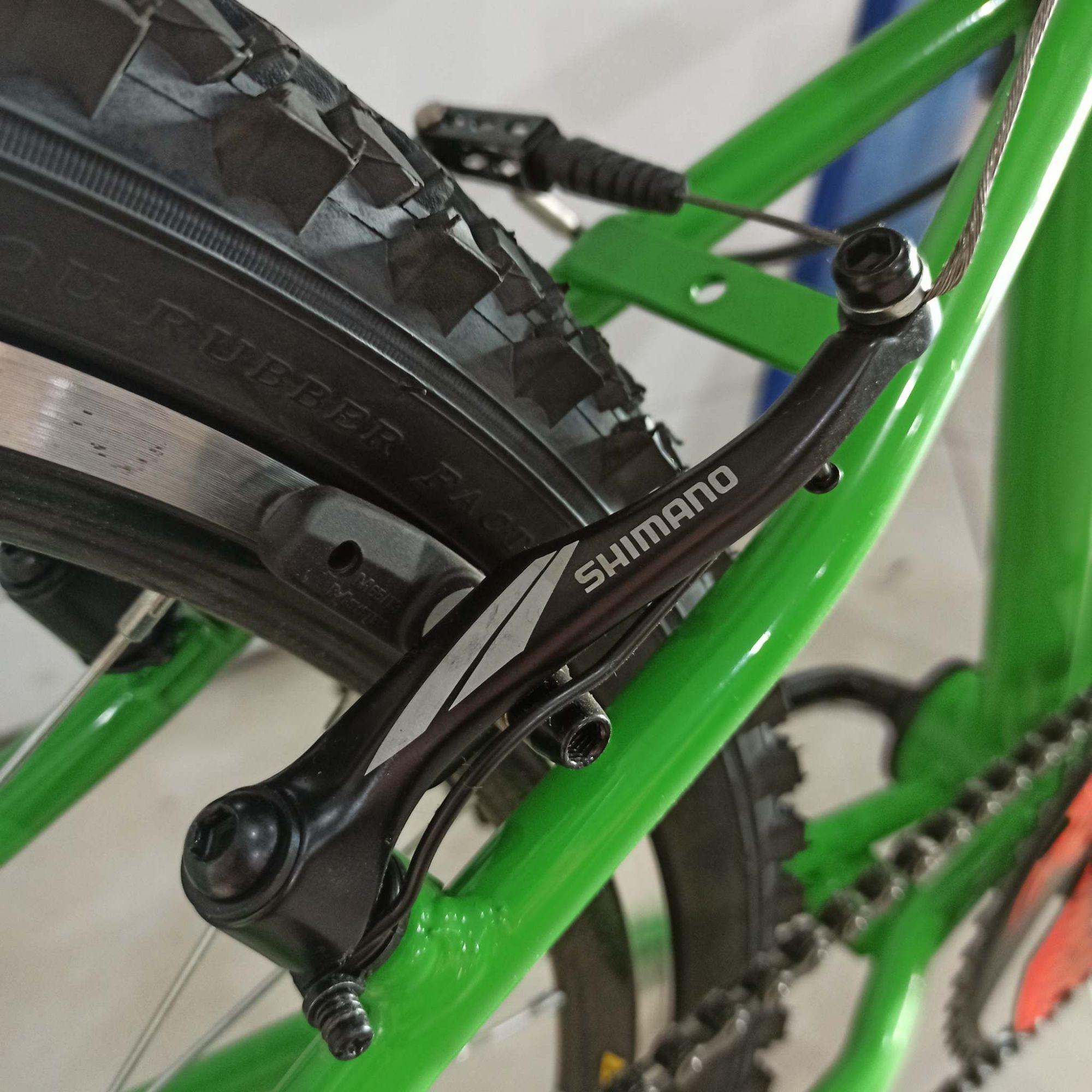 Bicicleta TURBOCYCLO Cyclone aro 26 - Freio Shimano V-Brake - Rodas Aro Aero VZAN com Cubos de Rolamento High One EDITAR
