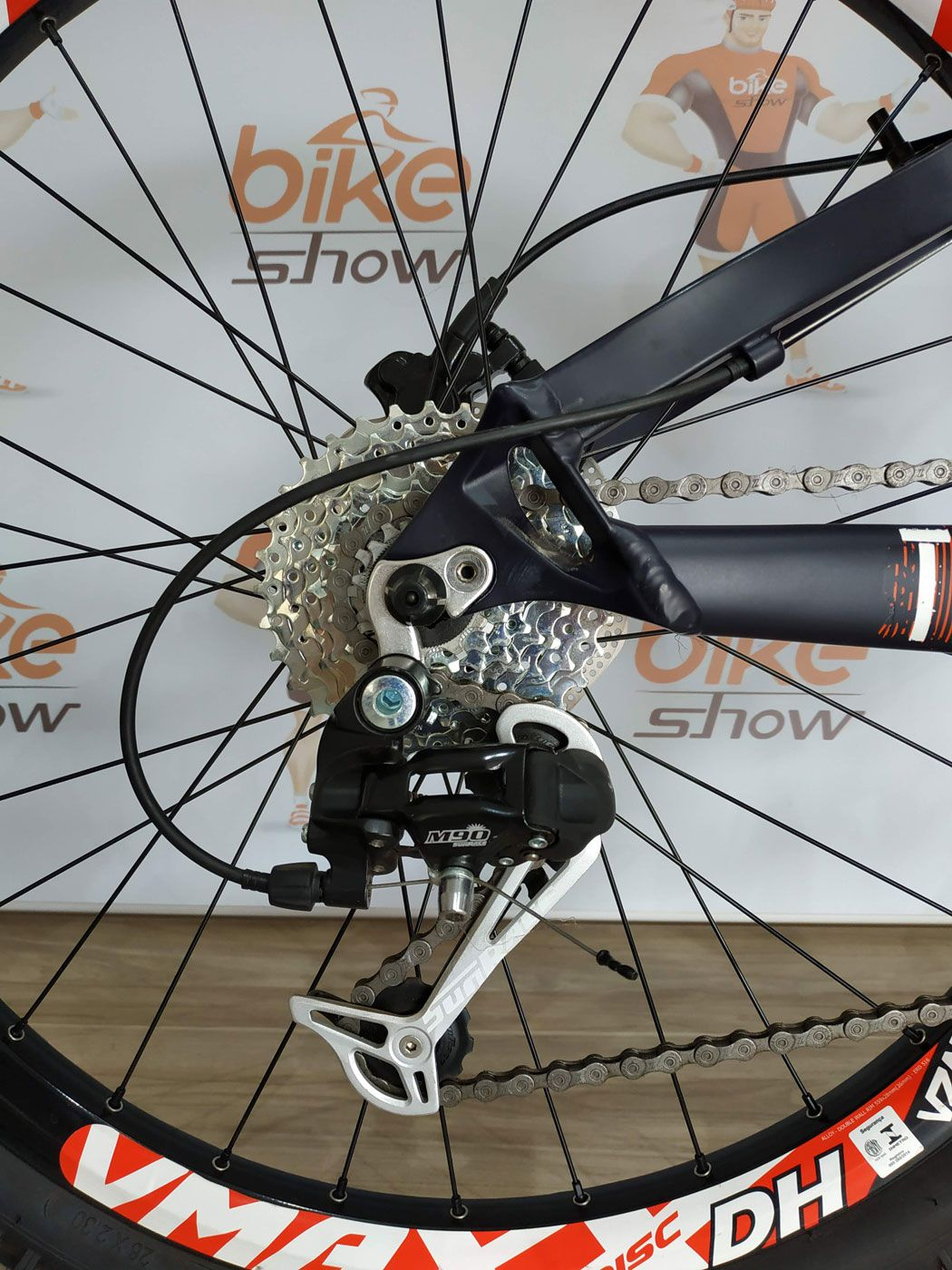 Bicicleta VIKINGX Tuff  X-25 aro 26 - 27v Shimano - Freio Hidráulico