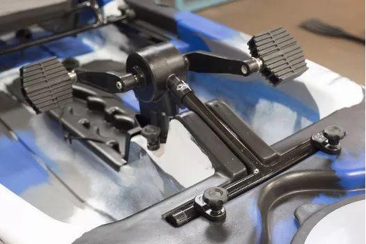 Caiaque MILHA NÁUTICA CAST com Leme e PEDAL Power Drive System de série
