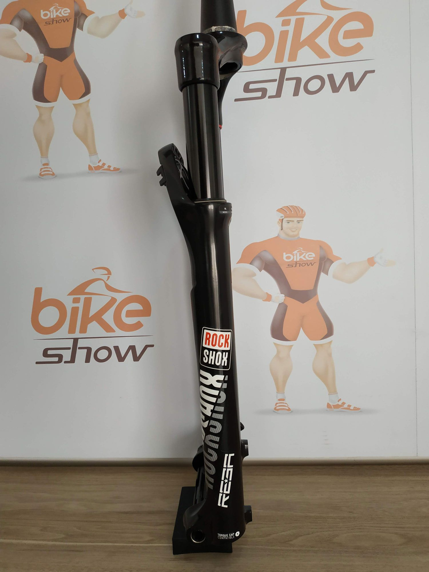Suspensão ROCK SHOX Reba  29er 2018 Trava Guidão Tapered 15 X 100 mm