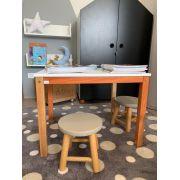 Mesa com 2 banquinhos (MADEIRA)