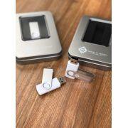 Kit Pen Drive 8GB Full Color Branco  + Case Metal G Personalizados