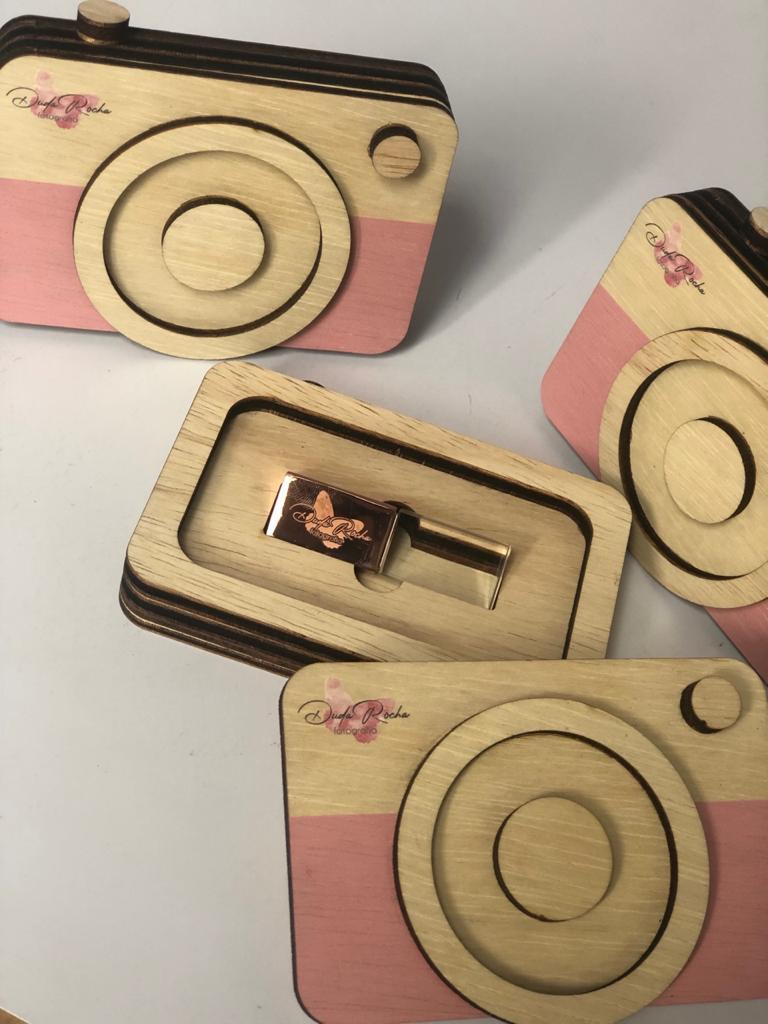 Kit Pen Drive Cristal Rose +Case Wood Câm