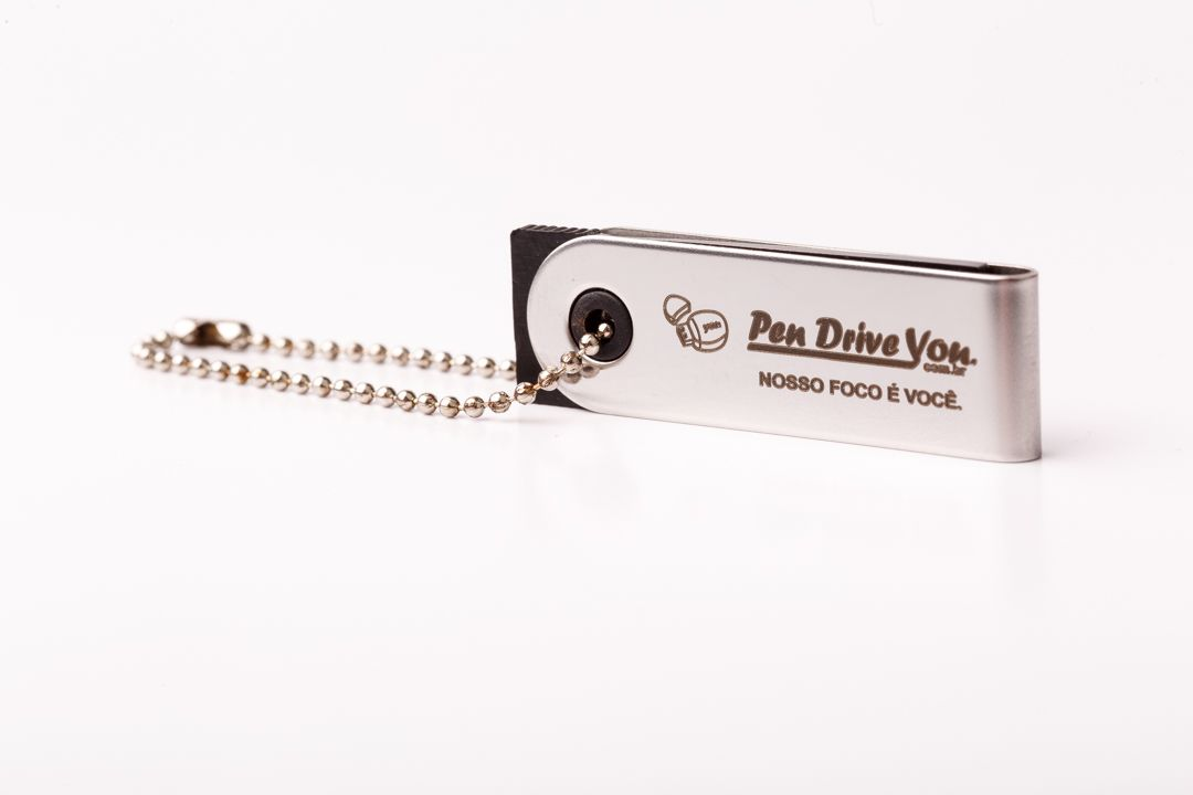 Mini Pen Drive 8GB Slim Giratório Prata Personalizado com Corrente