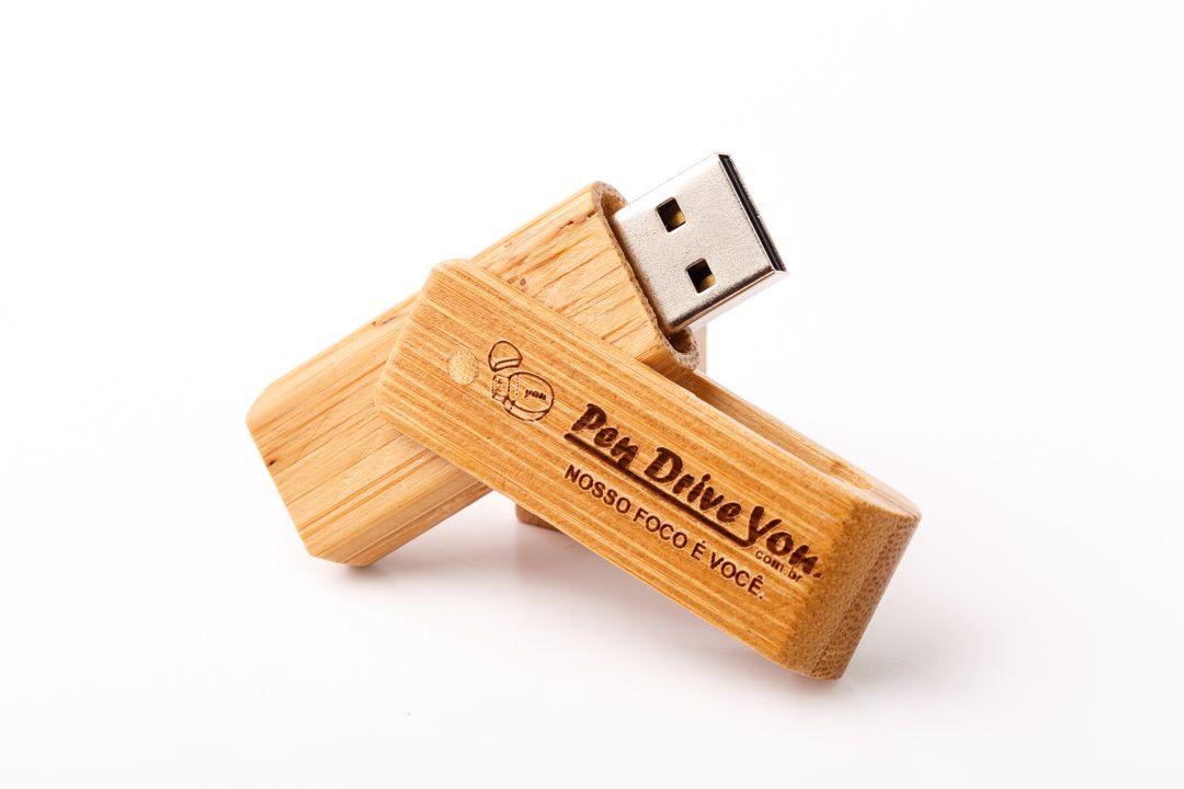 Pen Drive 16GB Madeira Giratório Caramelo Personalizado