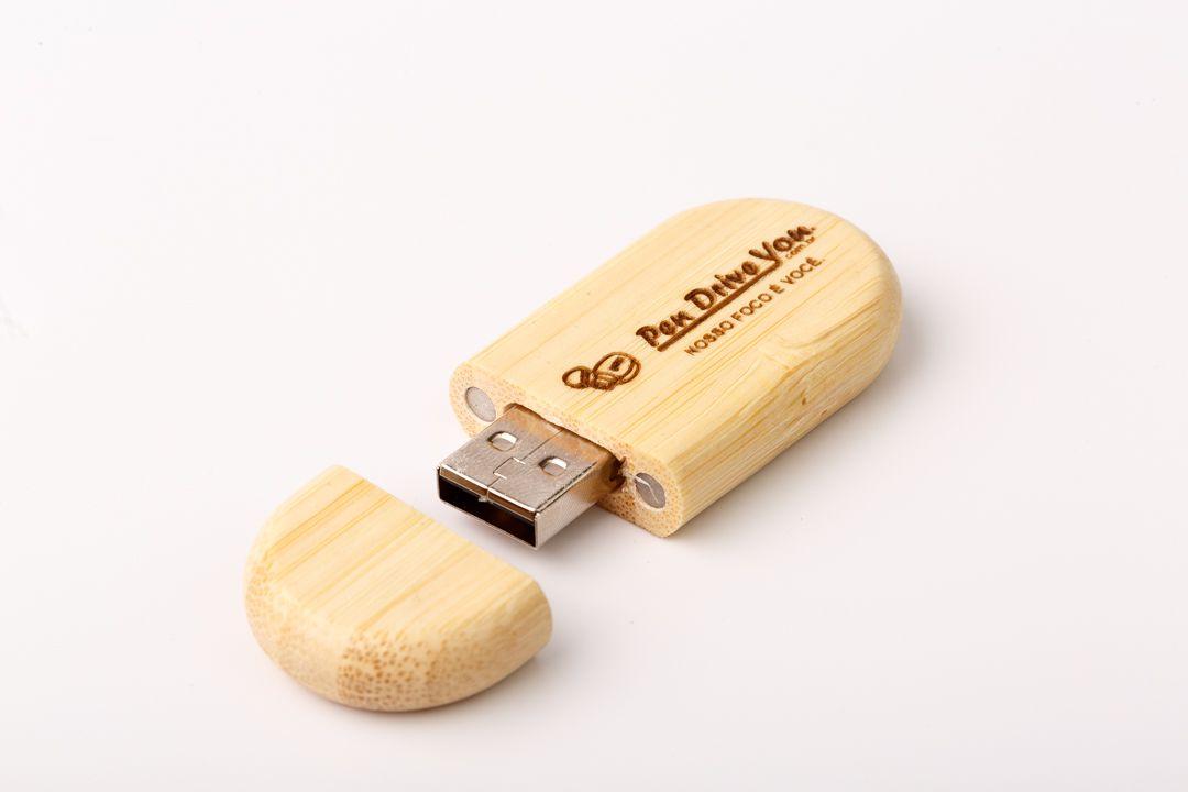 Pen Drive 32GB Oval Madeira Bambú com Tampa Personalizado