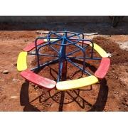 Playground Gira Gira de Ferro com 8 Lugares