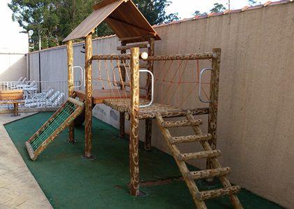 CASA DO TARZAN COM PONTE PLAYGROUND DE TRONCO   - Casinha Infantil Decorlazer