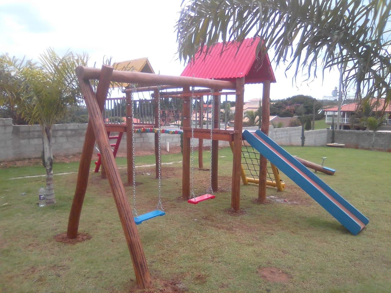 MINI ALDEOTINHA CASA DO TARZAN COM DUAS TORRES   - Casinha Infantil Decorlazer