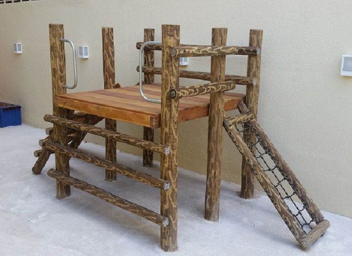 PLAYGROUND DE TRONCO CENTRO DE ATIVIDADES   - Casinha Infantil Decorlazer