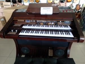 Órgão Hamonia HS-500 Tabaco  BRILHO - 61 Teclas