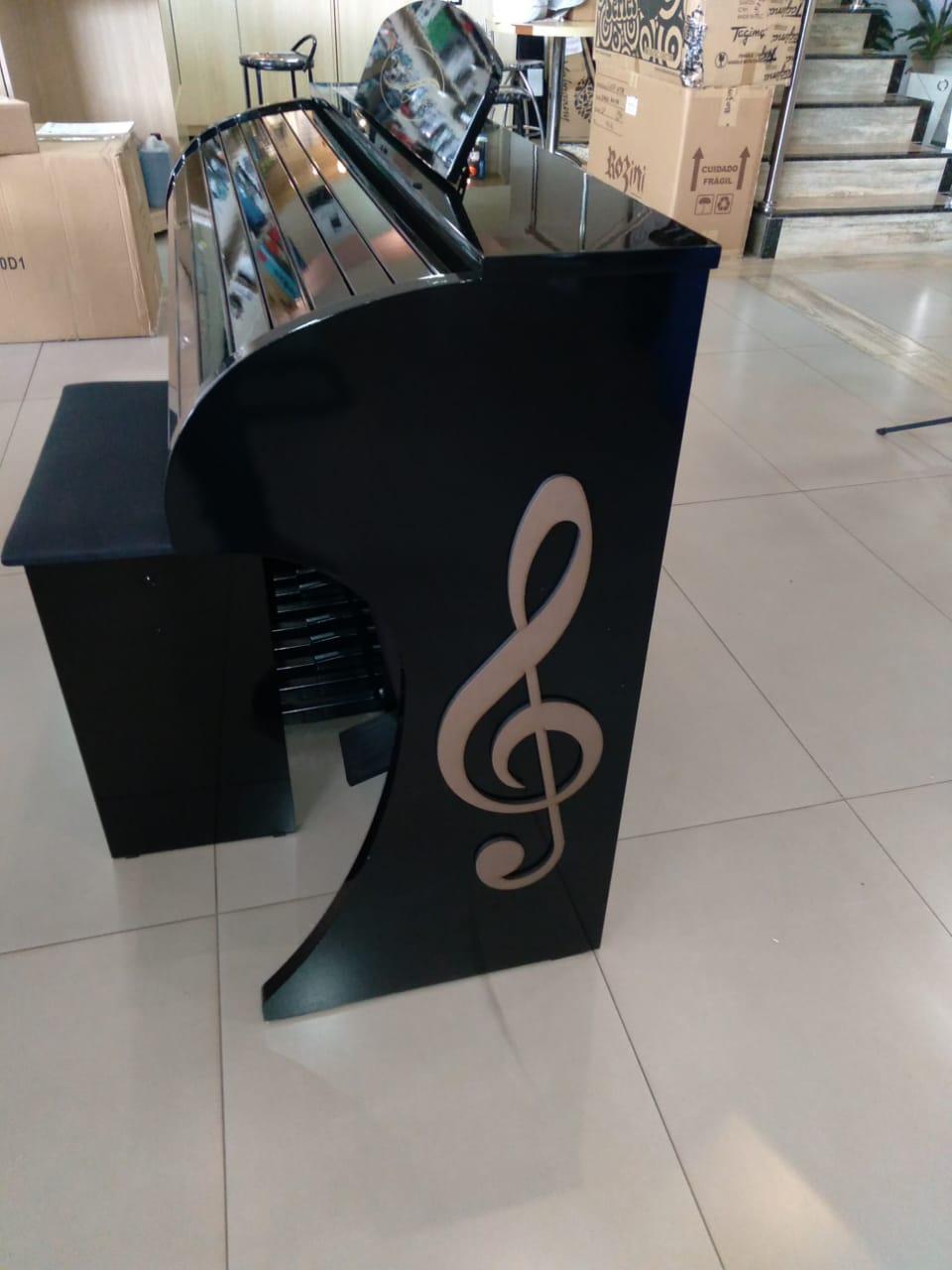Órgão  Acordes - CLASSIC 49 - Preto BRILHO  - Luggi Instrumentos Musicais