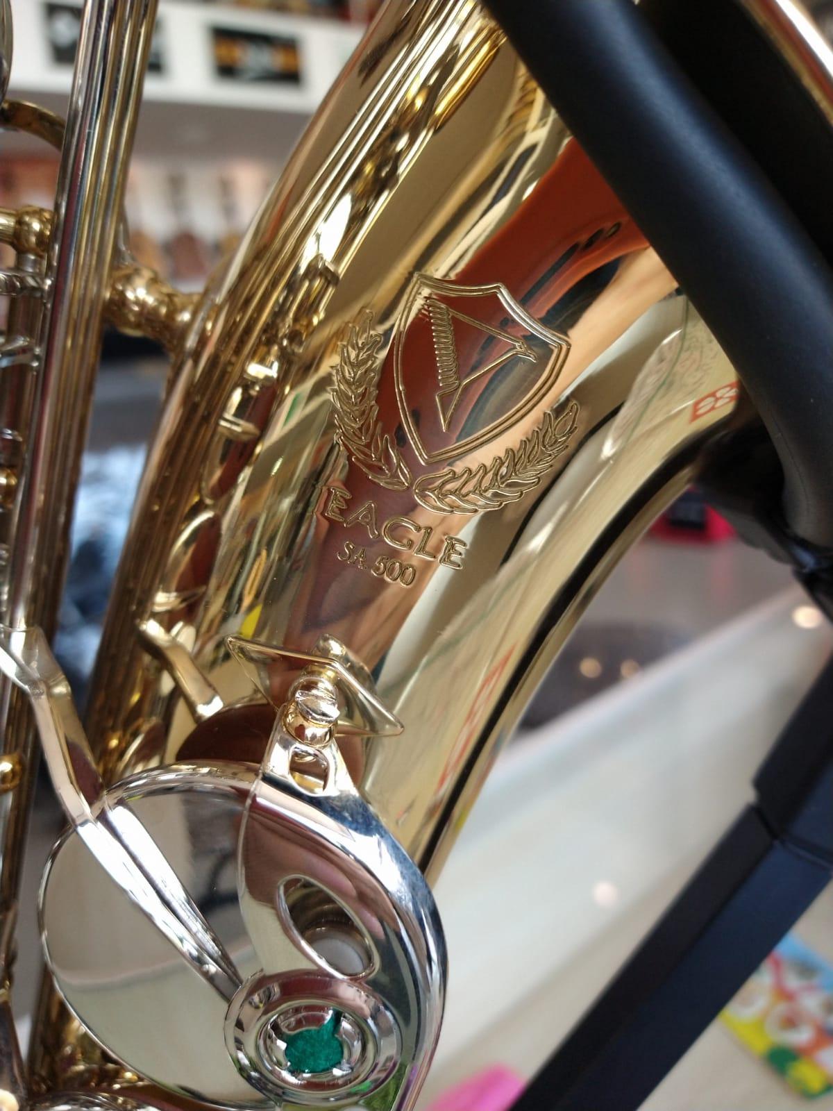 Sax Alto Eagle Sa500Ln Laqueado Com Chaves Niquelado  - Luggi Instrumentos Musicais