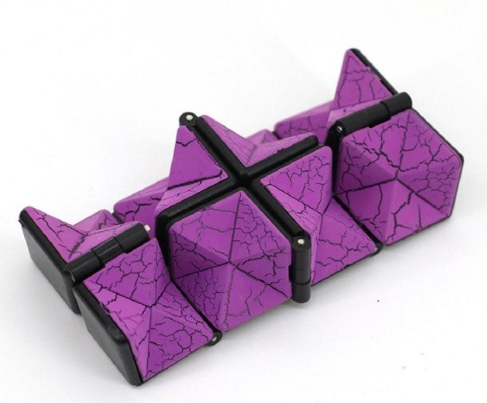 Fissure Infinity Cube