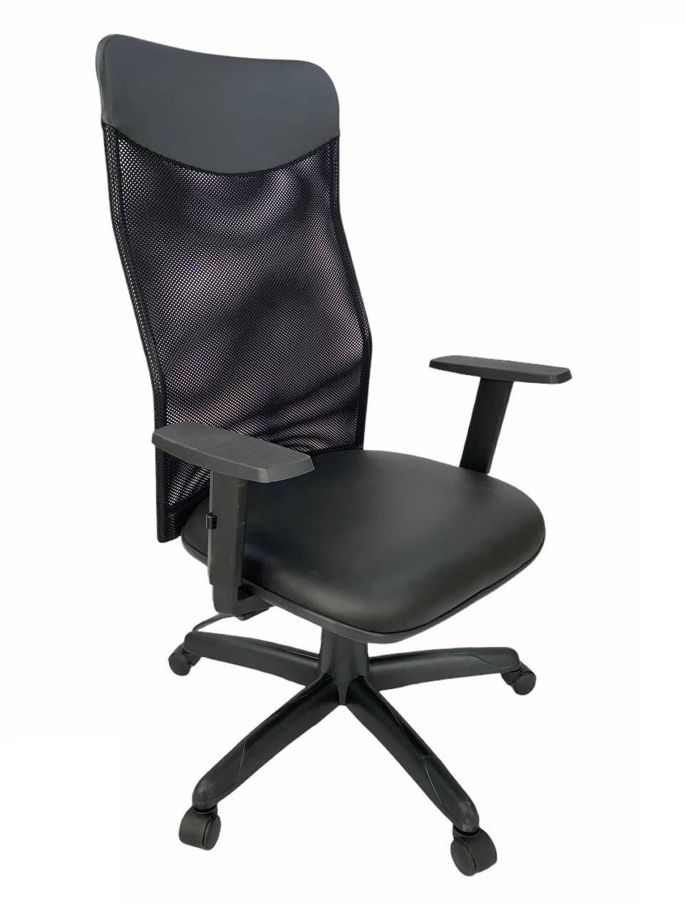 Cadeira Presidente Netuno Tela com Braço Regulável Preto