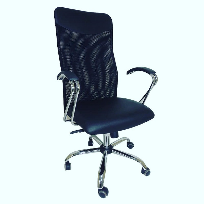 Cadeira Presidente Neturno Tela com Braço CR Preto