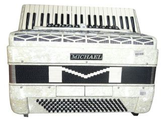 Acordeon 120BX Michael ACM12011 PWH 4°VOZ 41T 11R Branco Perolado