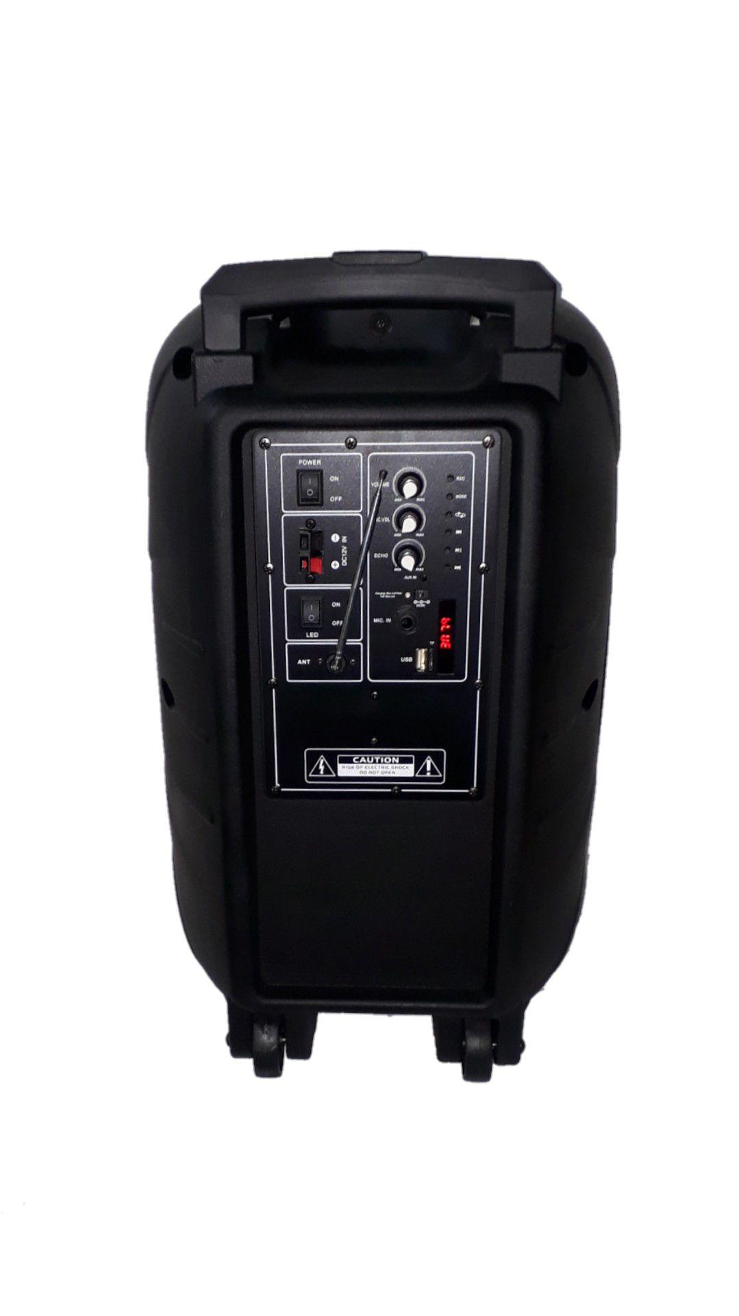 CAIXA AMPLIFICADA  XCELL XC-C12 BLUETOOTH.USB/SD/FM, 1 MICROFONE, FALANTE12', BATERIA 12V, RODA ATIVA 6