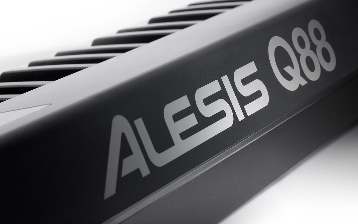 Controlador Alesis Q88 Usb/ Midi 88 Teclas