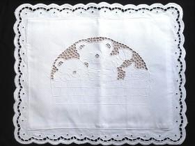 Capa de Almofada Avulsa Bordado Richelieu 100% Algodão 40x30 cm Urso