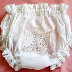 Calcinha para Bebê com Renda Renascença Flor Branco - P/M/G