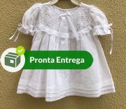 VESTIDO BORDADO À MÃO COM PALA RENDA RENASCENÇA - 3 á 6 meses