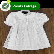 Vestido em Renda Paraíba veste 3 à 6 meses aproximado.