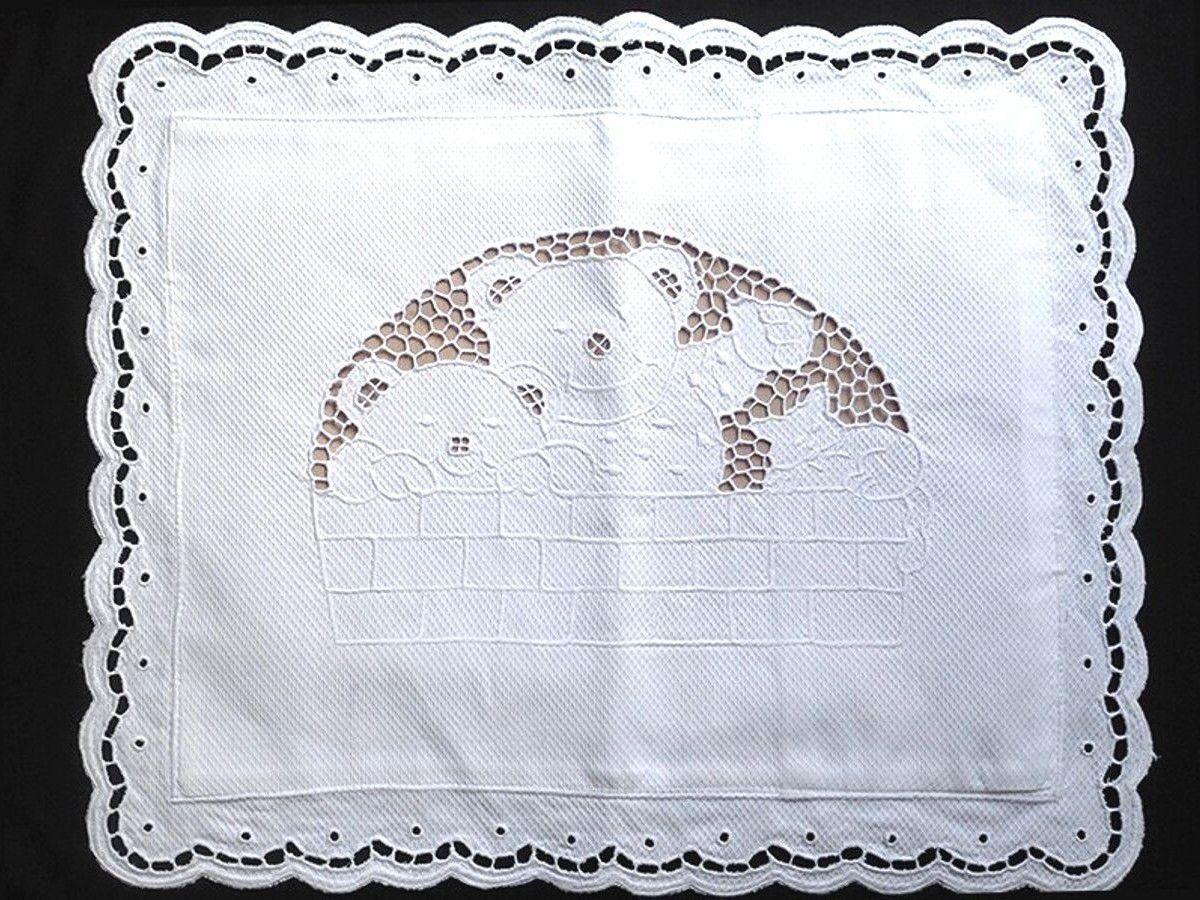 Capa de Almofada Avulsa Bordado Richelieu 100% Algodão 40x30 cm Urso  - Bordados do Ceará - Jutnet