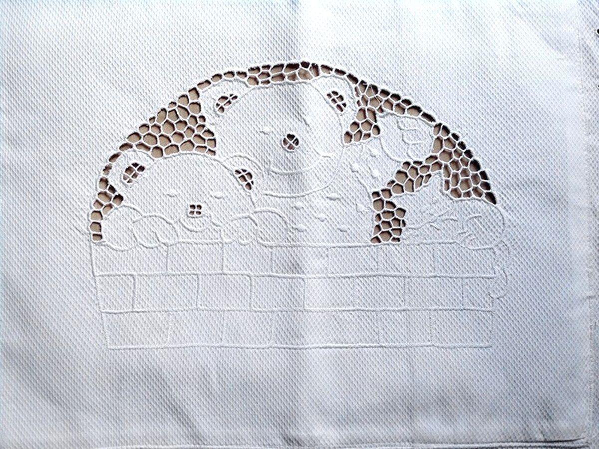 Capa de Almofada Bordado Richelieu 1 Peça 100% Algodão 40x30 cm Ursinho  - Bordados do Ceará - Jutnet