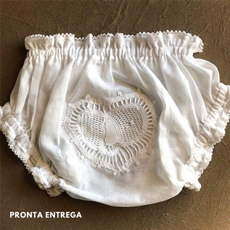 Calcinha para Bebê com Renda Renascença Coração Branco - P/M/G  - Bordados do Ceará - Jutnet