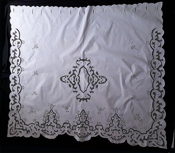Cortina Bordado Richelieu 1,50 x 1,50 (LxA) no Percal 230 Fios 1 Folha Clarissa  - Bordados do Ceará - Jutnet