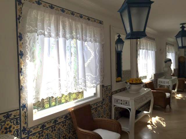Cortina Bordado Richelieu 1,30x1,30m no Percal 230 Fios 1 Folha Miudinho  - Bordados do Ceará - Jutnet