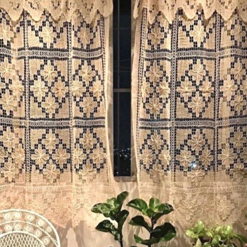 Cortina Curta para Janela em Renda Filé Fio Cru 1,50x1,60m (LxA) 2 Folhas  - Bordados do Ceará - Jutnet