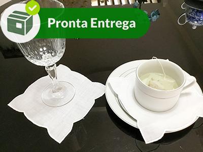 PORTA COPO LINHO RAMI COM PONTO CHEIO BRANCO (6 UNID.)  - Bordados do Ceará - Jutnet