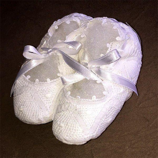 Sapatinho em Renda Renascença Branco 09/10 cm  - Bordados do Ceará - Jutnet